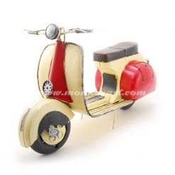 Vespa Scooter Yellow/Red (ยาว 38 ซม.)